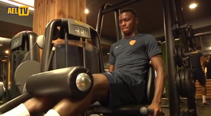 Πρωινή προπόνηση στο γυμναστήριο (video)