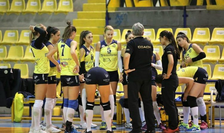 ael-volley-women-1